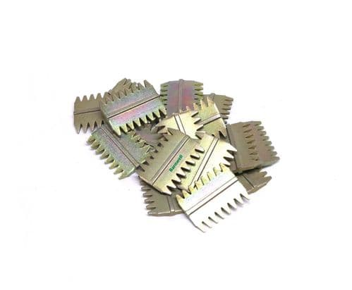 """Barnwell 1.5"""" Scutch Chisel Combs Pack of 25"""