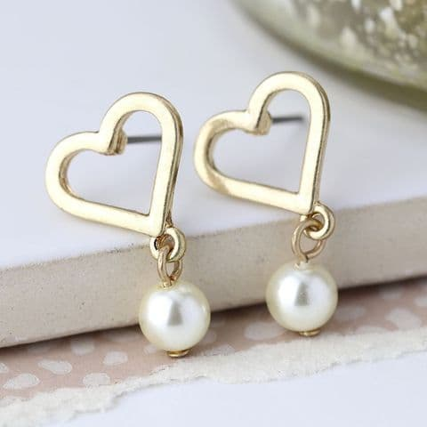GOLD PLATED HEART /IVORY PEARL STUD EARRINGS