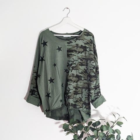 HALF CAMO/STAR PRINT LOW JERSEY TOP GREEN