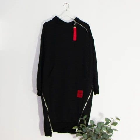 HOODED TOP WITH POUCH POCKET BLACK