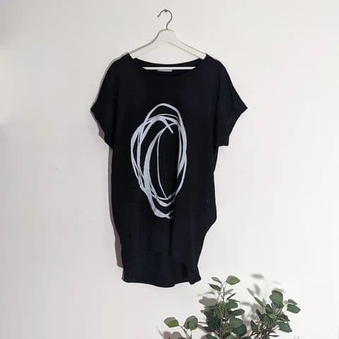 JERSEY OVAL SCRIBBLE PRINT TOP BLACK