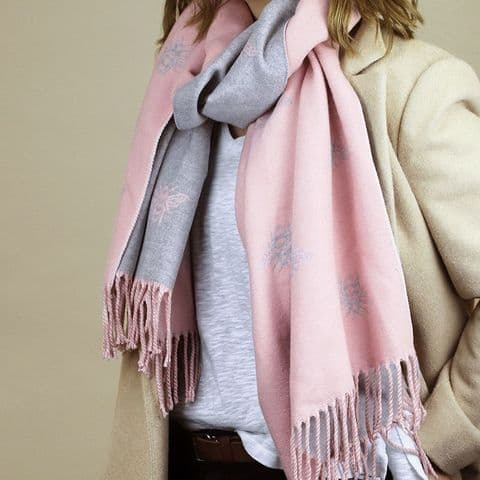 PALE PINK/GREY REVERSIBLE JACQUARD BEE SCARF WITH FRINGED EDGE (1)