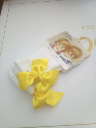Pretty Originals White Ankle Socks With Yellow Bow