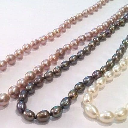 "24"" oval pearl necklace"