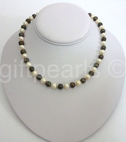 Black and White 18 inch pearl necklace