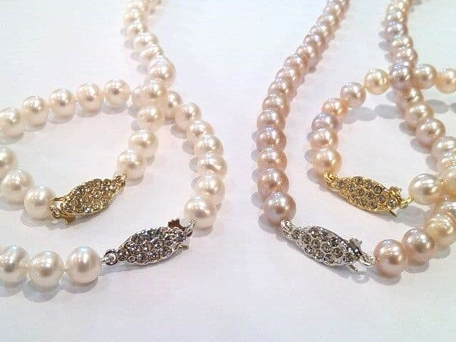 Genuine 'Special Offer'. Grade 'A+' pearls - Complete Set.