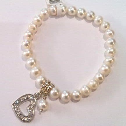 Grade A white pearl bracelet with heart pendant